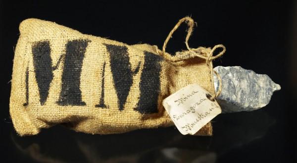 saquets que tenen al seu interior mostres de sulfurs extrets del filó MM de les mines Teodora, Rialp, Sant Joan, Farga, Saragossa i Juana Amelia