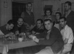 Dr Mateu al refugi d'Igaratza_Serra de l'Aralar_1945_home